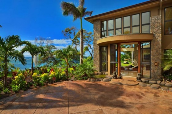 front views of hawaii resort by arri lecron