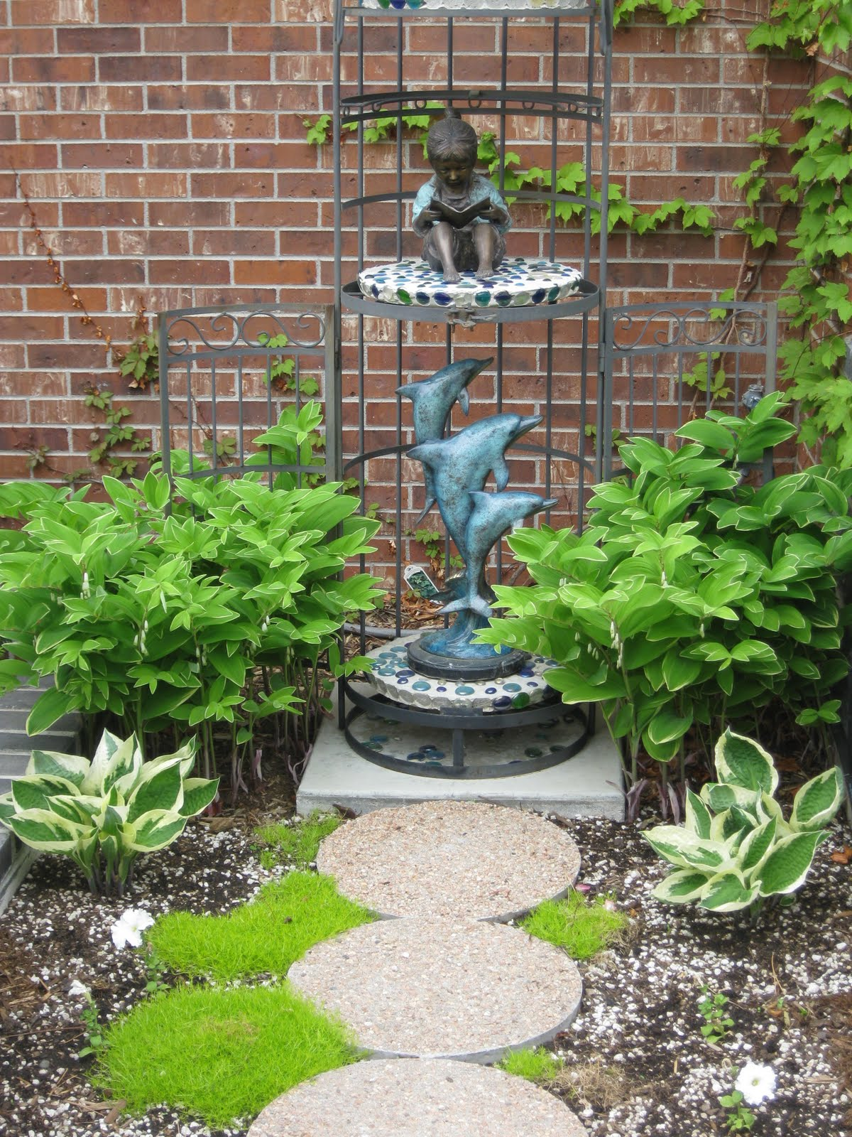 Herb garden design ideas photograph garden design idea for Garden ideas and designs photos