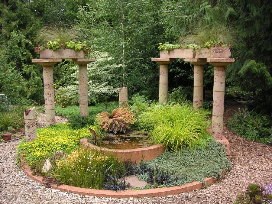 Small mediterranean garden design ideas home trendy for Small garden design
