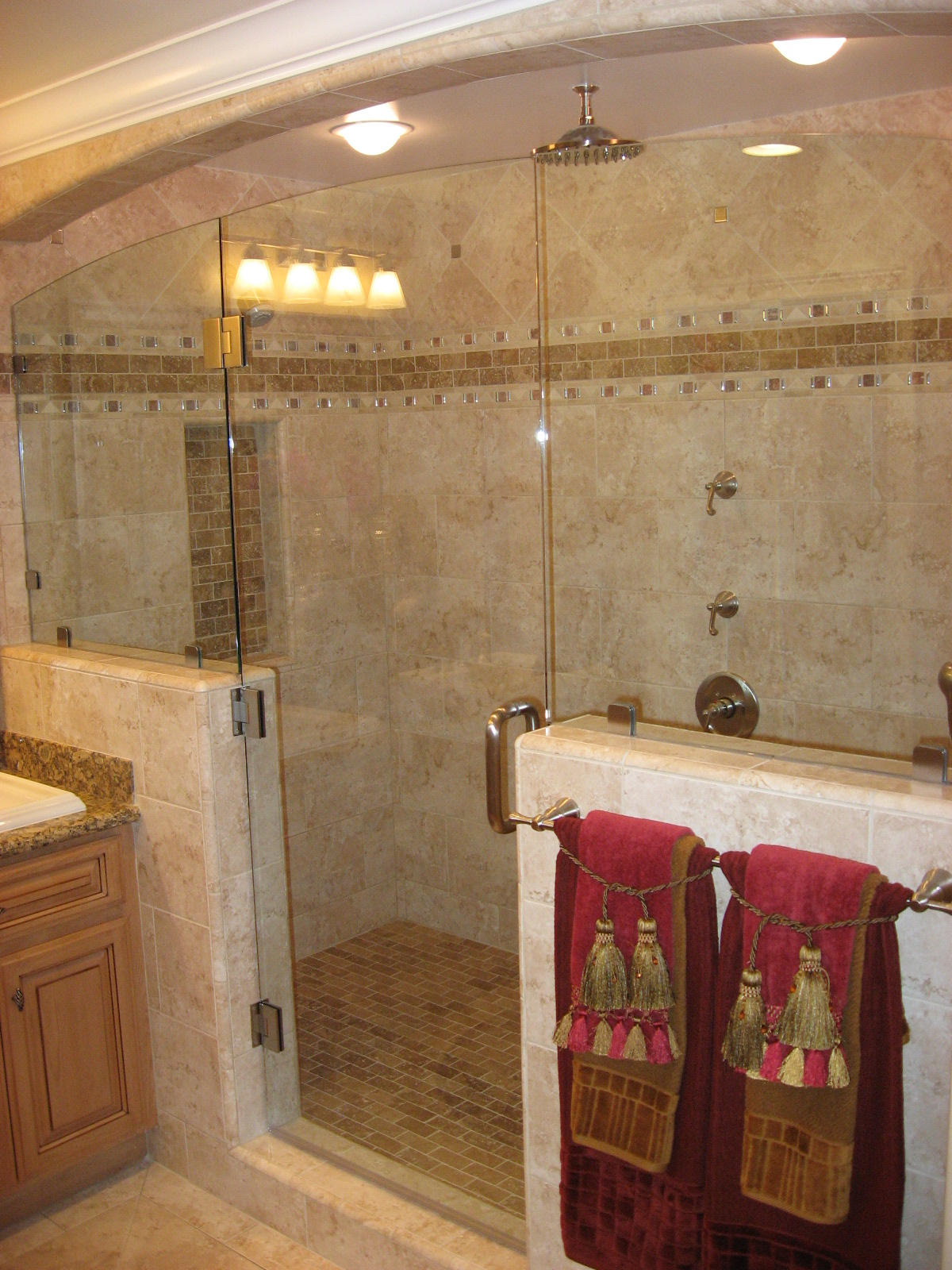 Tile bathroom shower photos design ideas home trendy for Glass tile bathroom designs