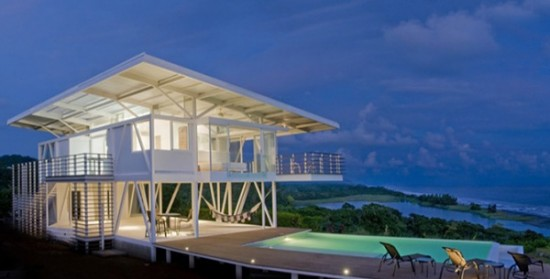 Eco Friendly <strong>Beach House</strong> Design