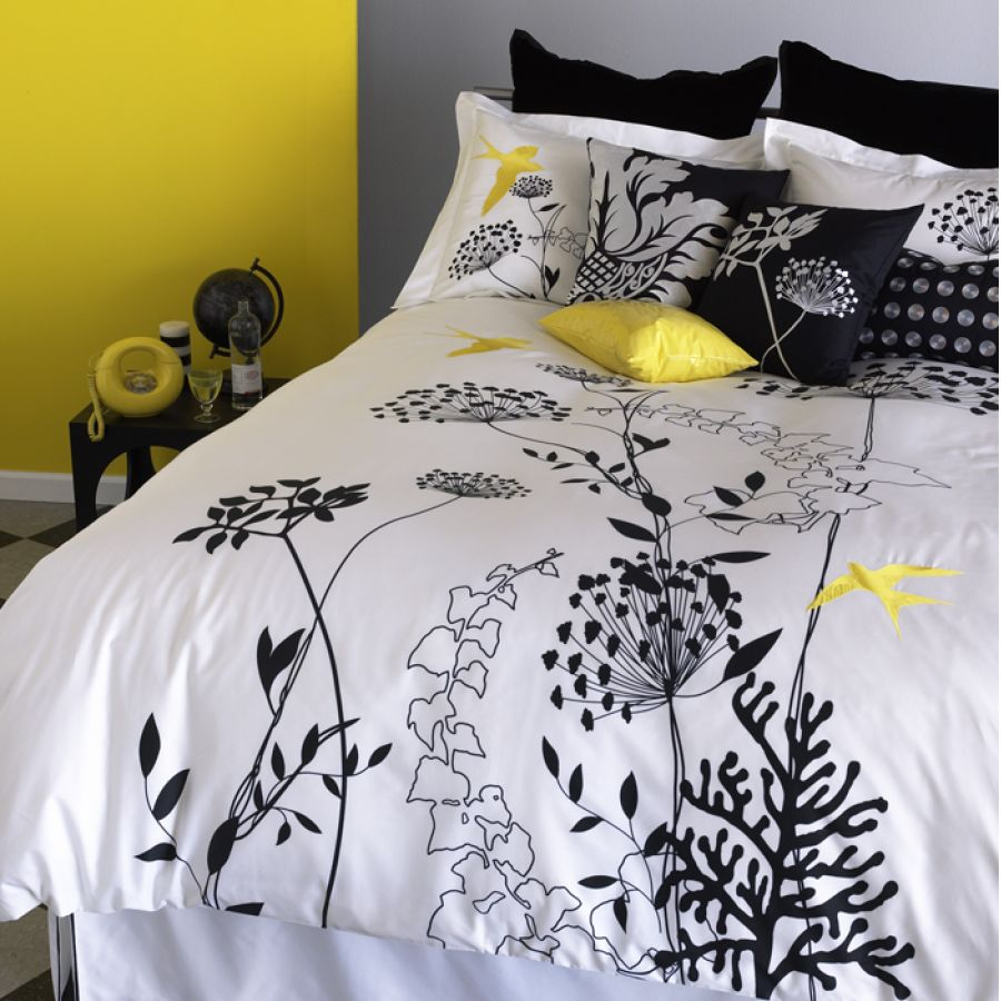 Queen size duvet covers ikea home trendy for Ikea bed covers sets queen
