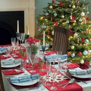 Easy Christmas Dining Table Decorating Ideas