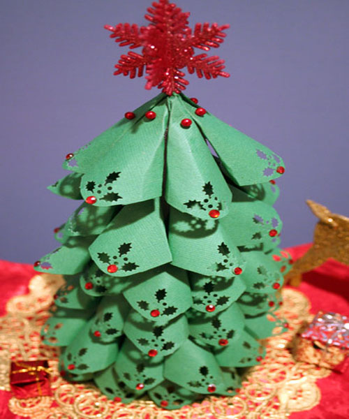 Unique christmas tree decorating ideas home trendy for Unique christmas tree themes