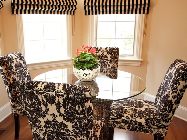 Stunning Black & White Damask Dining Room Chairs 616 x 462 · 136 kB · jpeg